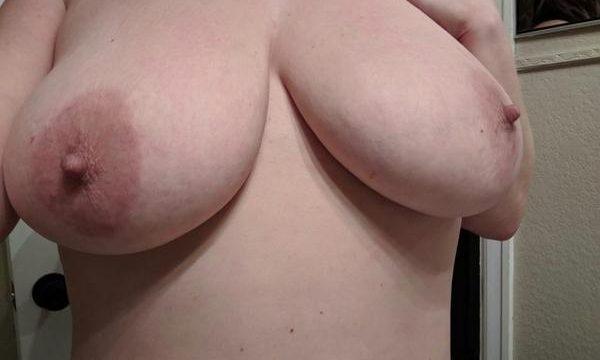 Femme mature cherche jeunes hommes pour rencontres coquines