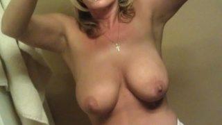 Rencontre avec Carine une femme cougar très sexy