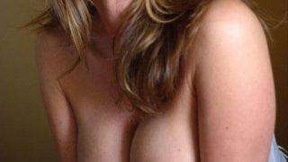 Jolie femme mature cherche jeunes hommes sexy
