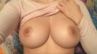 Sophia cherche des jeunes hommes pour du sexe